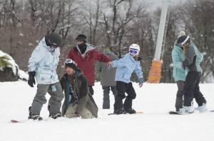 Teaching snowboard Termas de Chilean with Manuel, Victoria, Caterina and Carolina